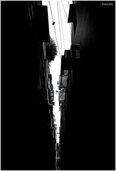 7.-OUTDOOR_PHILIPS-LED-TORCH_ALLEY_DELHI.jpg (1200×1759)