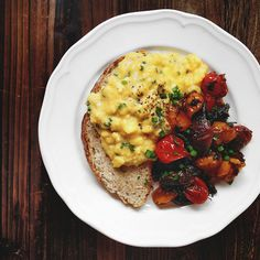 Perfect Scrambled Eggs with Toast