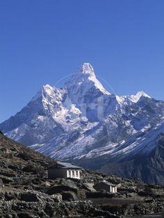 """Ama Dablar which means """"Mother's Necklace"""" is a mountain range in the Himalaya of eastern Nepal. It dominates the eastern sky for anyone trekking to Mount Everest basecamp. Nepal, Bergen, Beautiful World, Beautiful Places, Monte Everest, Himalaya, Mountain Wallpaper, The Mountains Are Calling, Mountaineering"""