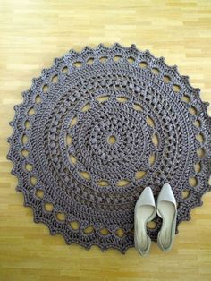 Crochet doilies rug inspiration 30 ideas for 2019 Crochet Doily Rug, Crochet Carpet, Crochet Rug Patterns, Crochet Round, Diy Crochet, Crochet Crafts, Crochet Projects, Mandala Rug, Crochet Home Decor