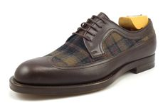 Gucci New Mens Shoes 9 US Leather & Tartan Wingtip Oxfords 322507 Brown Me Too Shoes, Men's Shoes, Mens Casual Dress Shoes, Best Shoes For Men, Brogues, Tartan, Derby, Oxford Shoes, Menswear