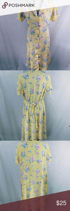 "Vintage 90's dress Soft yellow dress with flowers. 100% rayon A-line dress. Measurements: shoulder to hem 42"", arm pit to arm pit 22"" , Full skirt Vintage Dresses"