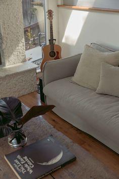 Linen Duvet, Echo Park, Mid Century House, Flat Sheets, Vintage Furniture, House Tours, Love Seat, Duvet Covers, Minimalism