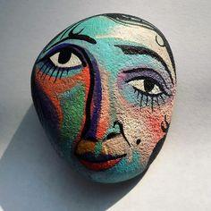 #pebbles #stoneart #paint #handmade #illustration #design #mik #kavicsfestés #art