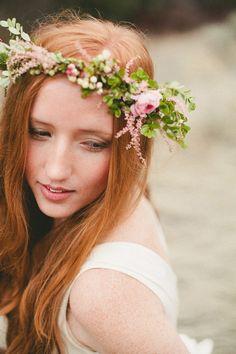 flowers in hair. Daisy Wedding, Wedding Flowers, Perfect Bride, Hair Wreaths, Floral Headpiece, Bridesmaid Flowers, Floral Hair, Bridal Hair Accessories, Flowers In Hair