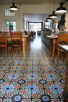 Maison Blunt is a really good, not too expensive Moroccan restaurant. Moroccan Restaurant, Bistro Restaurant, Cafe Bistro, Cafe Bar, Restaurant Design, Home Design Decor, House Design, Cafe Design, Switzerland