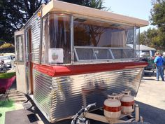 http://oldtrailer.com/Images/1962-holiday-house-trailer-600.jpg