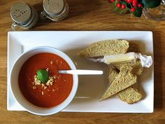 Recipe: Hansen's Café & Store's Tomato Cashew Soup - thisNZlife Leek Recipes, Easy Soup Recipes, Jerusalem Artichoke Soup, Food In A Minute, Watercress Soup, Vegetable Juicer, Taste Made, Cafe Food, Evening Meals
