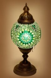 Adding Unique Lamps to Your Home Diy Candle Holders, Vintage Candle Holders, Diy Candles, Portal Do Mosaico, Eclectic Table Lamps, Best Desk Lamp, Turkish Lamps, Morrocan Lamps, Bottle Cap Table