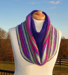 KISS Cowl A Tucked Hood pattern by Mary-Ann Lammers