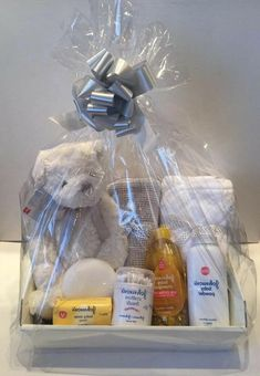 Baby Gift Hampers, Diy Gift Baskets, Baby Baskets, Baby Hamper Ideas Diy, Basket Ideas, Laundry Baskets, Basket Gift, Baby Shower Gift Basket, Baby Shower Gifts For Boys