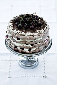 black forest cake meringue