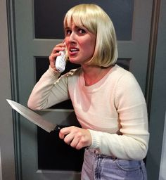 Halloween Costume - Drew Barrymore from Scream Scream Halloween Costume, Halloween 2017, Halloween Makeup, Halloween Party, 90s Party, Drew Barrymore Scream, Drew Barrymore Hair, Screaming Drawing, Fantasy Gowns