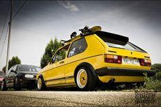 yellow VW rabbit MK1 Volkswagen Golf Mk1, Vw Mk1, Classic Golf, Vw Cars, Car Engine, Old Skool, Motocross, Motor Car, Jdm