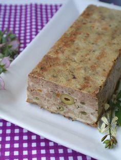 Террин очень удобное блюдо. Приготовил, охладил, нарезал... И вот тебе готовый кусочек, который можно положить хлебушек и вкусно перекуси...