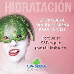 #HIDRATACIÓN Suma a la sandía la fresa el melón y el pepino. Si eres de las que no le gusta tomar agua pues opta por las frutas con mayor índice de agua y así ayudarás a hidratar tu piel. #skincare #cream #alfa #alfaderma #cuidatupiel #cuidadodelapiel #cosmetics #naturalcosmetics http://ift.tt/2eRyz9p Síguenos en http://ift.tt/2v4IY7x