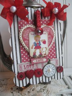 Sweet on you....Adorable Valentine Card Inspiration, love the buttons!