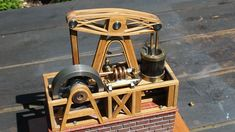 Mechanical Art, Mechanical Engineering, Metal Beam, Wood And Metal, New Technology Gadgets, Steampunk Clock, Bent Wood, Metal Projects, Steam Engine