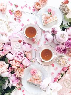 Sweet scent of flowers and Marie-Antoinette tea Have wonderful holiday . Flat Lay Photography, Food Photography, Afternoon Tea, Momento Cafe, Deco Rose, Girly, Coffee Love, Hot Coffee, Pink Aesthetic