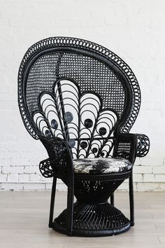 Lady Peacock Chair Black