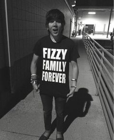 I WANT THIS SHIRT SO BAD!!!! // Damon Fizzy // DeeFizzy // Fizzy Family Forever