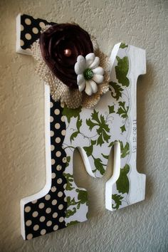 M for my new last name XOXO. I can do the DIT crafts but I need to figure someth - Blakely Baby Name - Ideas of Blakely Baby Name - M for my new last name XOXO. I can do the DIT crafts but I need to figure something else out for the painting. Cute Crafts, Crafts To Do, Arts And Crafts, Paper Crafts, Wooden Wall Letters, Letter Wall, Nursery Letters, Diy Letters, Craft Projects
