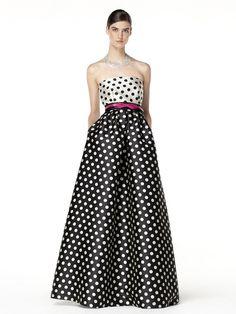 Trendencias - 15 vestidos largos con falda de volumen para ir de boda