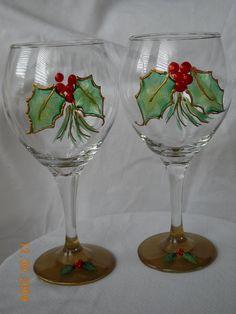 Maureen Makes It! Decorated Wine Glasses, Hand Painted Wine Glasses, Recycled Wine Bottles, Painted Wine Bottles, Wine Glass Crafts, Wine Bottle Crafts, Pebeo Porcelaine 150, Christmas Wine Glasses, Wine Bottle Glasses
