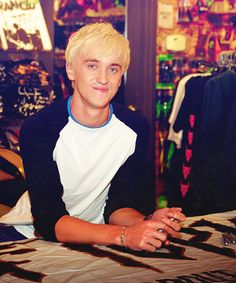 Tom Felton and the worlds most tanned arms :'D