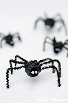 Make Pine Cone Spiders
