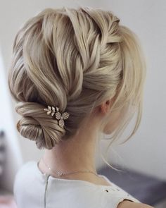 Wedding hairstyles ♥ If you have not yet decided on a wedding hairstyle, . - bridal hairstyles - # bride hairstyles # for Wedding hairstyles ♥ If you have not yet decided on a wedding hairstyle, . - bridal hairstyles - # bride hairstyles # for Shaved Side Hairstyles, Cute Braided Hairstyles, Best Wedding Hairstyles, Hairstyle Wedding, Bride Hairstyles Short, Hairstyles Haircuts, Short Hair Wedding Styles, Wedding Hairstyles For Short Hair, Bridesmaid Hair Updo Braid