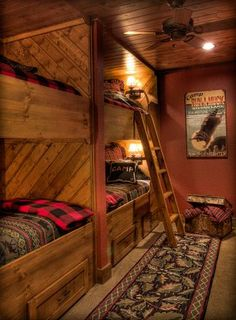 Built-in bunks with drawers under (extra sheets and blankets)