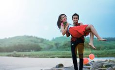 #red #couple #prewed #beach