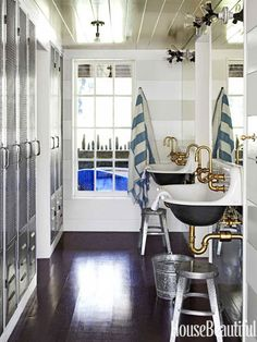 A Chic California Beach House - Page 19 Kohler Brockway basin Lockers for guests and people living there - could be good for kids Beach House Bathroom, Beach House Decor, Home Decor, Locker Room Bathroom, Beach Bath, Beach Towel, Kohler Brockway Sink, Estilo Navy, Nautical Bathrooms
