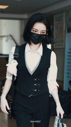 Thread by xu kiki and her fashion; a thread 1 2 [. Korean Girl Fashion, Korean Street Fashion, Tomboy Fashion, Teen Fashion Outfits, Asian Fashion, Look Fashion, Stage Outfits, Cool Outfits, Casual Outfits