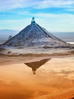 ღღ Salt Mausoleum at Chott el Jerid     Tozeur, Tunisia (North Africa)