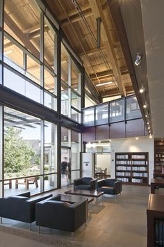Upper School Library Interior At Francis Parker Linda Vista Campus