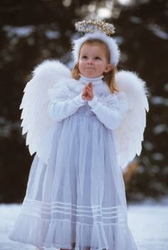 A Young Caucasian Child Prays At Her Bedside Stock Photos and Pictures Dance Costumes, Halloween Costumes, Diy Angel Wings, Do Your Own Thing, Felt Diy, Roommate, I Am Awesome, Flower Girl Dresses, Stock Photos