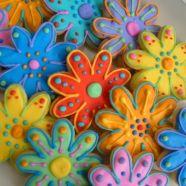 FLOWER GARDEN Cookies Pinned By: http://www.cookiecuttercompany.com/ #flower #cookies