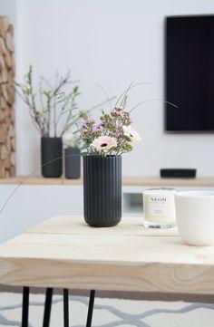 5 Simple Tips: Small Vases Decor modern vases antiques. Ikea Interior, Interior Design, Ikea Vases, Vase With Branches, Big Vases, Small Vases, Vase Design, Vase Crafts, Home Decor Vases