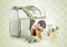 Um conjunto especial para um momento de muito carinho: a hora do banho do bebê. - Shop Mamae e bebe http://rede.natura.net/espaco/alinelomba