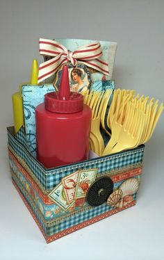 Fill it with napkins, condiments and plastic utensils and you're ready for a picnic on the beach!  For more inspiration, visit my blog: Anne...