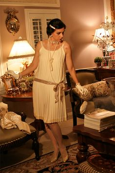 October 29, 2012  http://www.akeytothearmoire.com/post/3