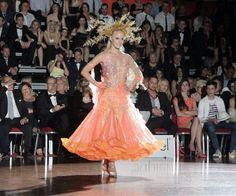 #moda #fashionweek #dresses #fids
