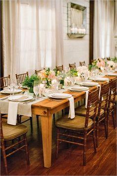 Cada dia que passa o conceito de mini-wedding  vem ganhando mais e mais adeptos. É o tipo de celebração ideal para os noivos que não querem...