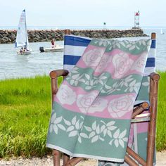 100% Cotton Throw/Blanket Flower Pattern: This Beautiful Flower Pattern Throw is made of 100% Cotton for a comfy feel.  www.lalapatoot.com #cottonblanket   #cotton   #blanket   #throw   #throwblanket   #flower   #flowerpattern   #beachhouse