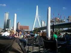 Grandcafé Prachtig in Rotterdam, Zuid-Holland  #Prachtig #sun #sunny #NieuweMaas #uitzicht #view #Rotterdam #beer #bier #wine #wine #drankje #drink #Erasmusbrug  https://en.rotterdam.info/visitors/places-to-go/food-drinks/7547/prachtig/   NL: https://www.rotterdam.info/bezoekers/locaties/eten-drinken/7547/prachtig/