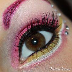 Sailor Chibi Moon inspired Make Up http://www.talasia.de/2013/01/12/look-sailor-chibi-moon-inspired-make-up/