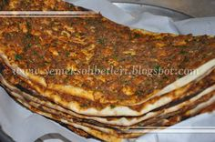 ev yapimi lahmacun Turkish Recipes, Ethnic Recipes, Minced Meat Recipe, Dessert Recipes, Desserts, Different Recipes, Meat Recipes, Pizza, Brunch