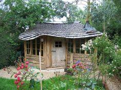 Lovely handbuilt garden shed. Backyard Buildings, Backyard Sheds, Small Buildings, Outdoor Sheds, Backyard Retreat, Garden Sheds, Eco Garden, Outdoor Buildings, Glamping